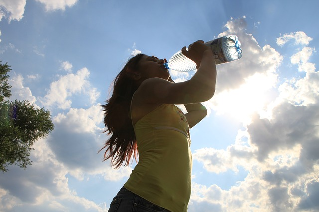 How drinking water can help boost our health and productivity